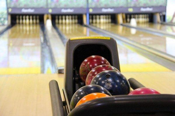Comment et pourquoi jouer au bowling?